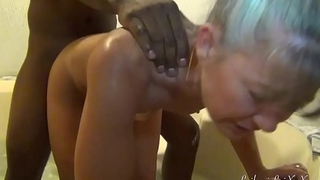 Milf n Lover Enjoy Spa Tub Fun