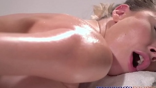 Massage Rooms Beautiful Russian woman Paulina Soul squirting after foot massage