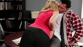 Magician Alexis Texas drains all the cum from her partner