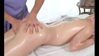 Blondie Effy Sweet Gets Fingered By Masseur